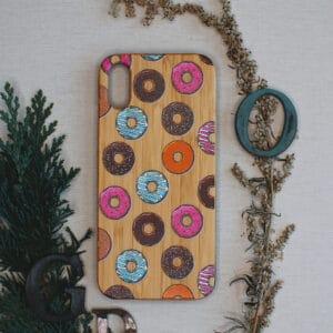 iPhone X/XS bagside i træ, Donuts