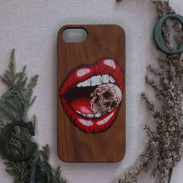 iPhone 7/8/SE 2020 bagside i træ, Kranie i mund