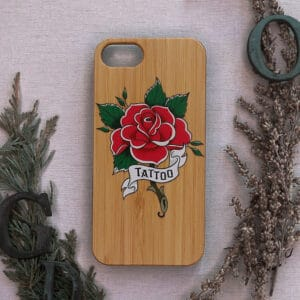iPhone 7/8/SE 2020 bagside i træ, Tattoo rose