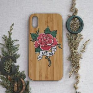 iPhone XR bagside i træ, Tattoo rose