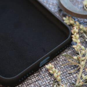 iPhone 11 bagside i træ, Kranie i mund