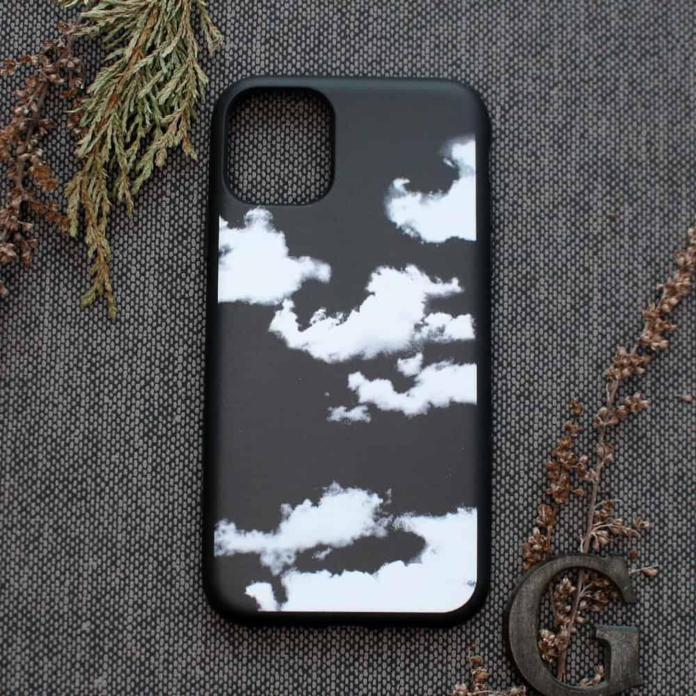 iPhone 11 Pro bagside , Skyer