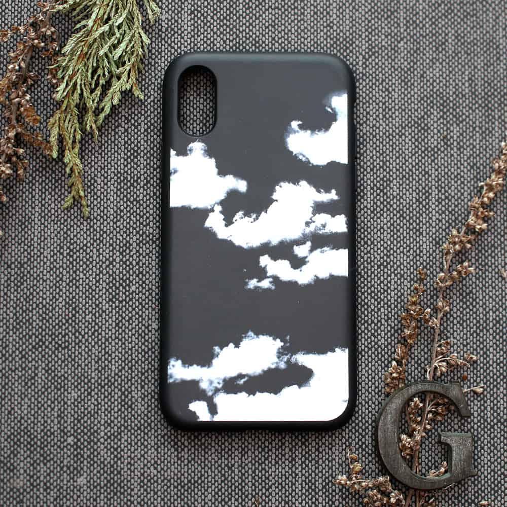 iPhone XR bagside , Skyer
